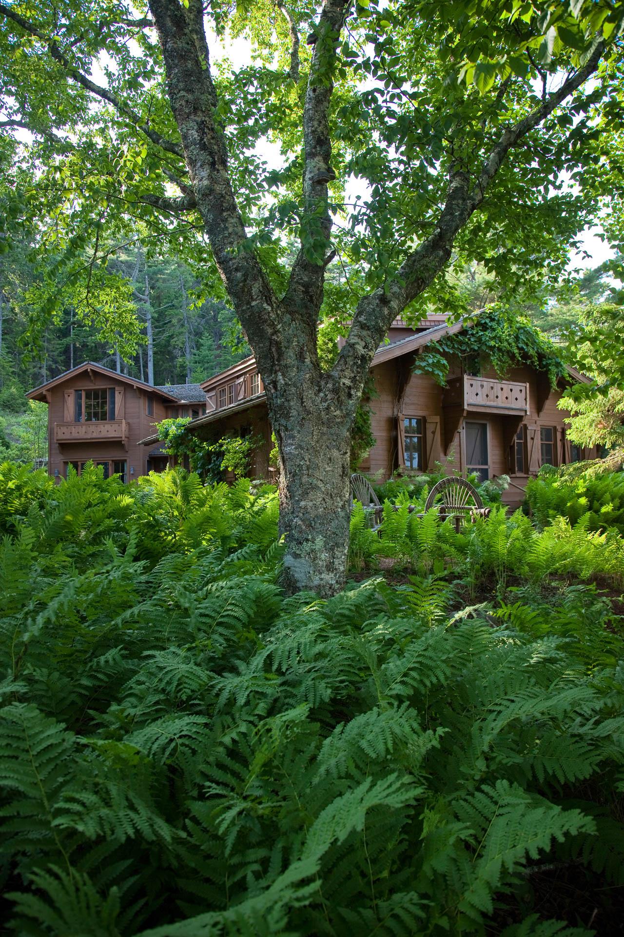Le petit chalet matthew cunningham landscape design llc for Garden design llc